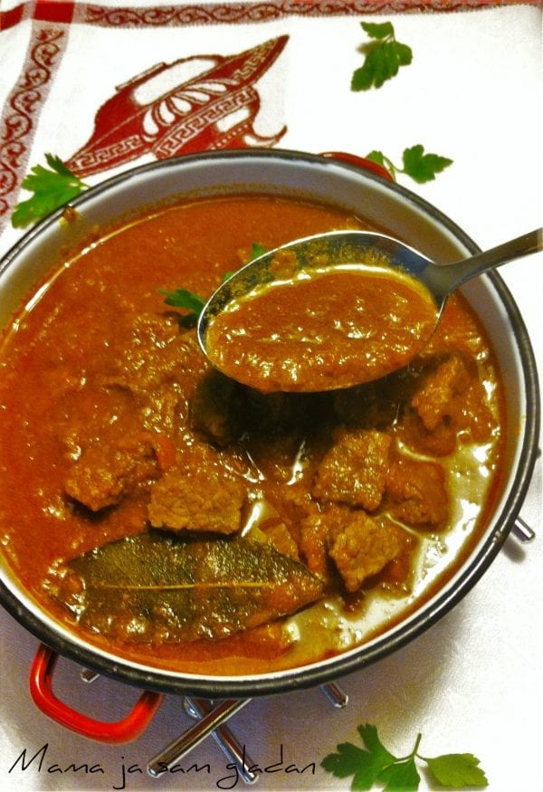 Juneći gulaš s curryijem