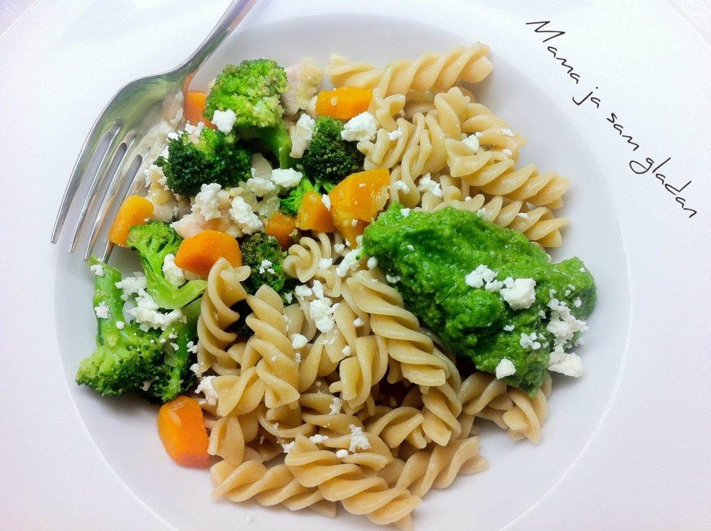 pesto od brokule s integralnom tjesteninom