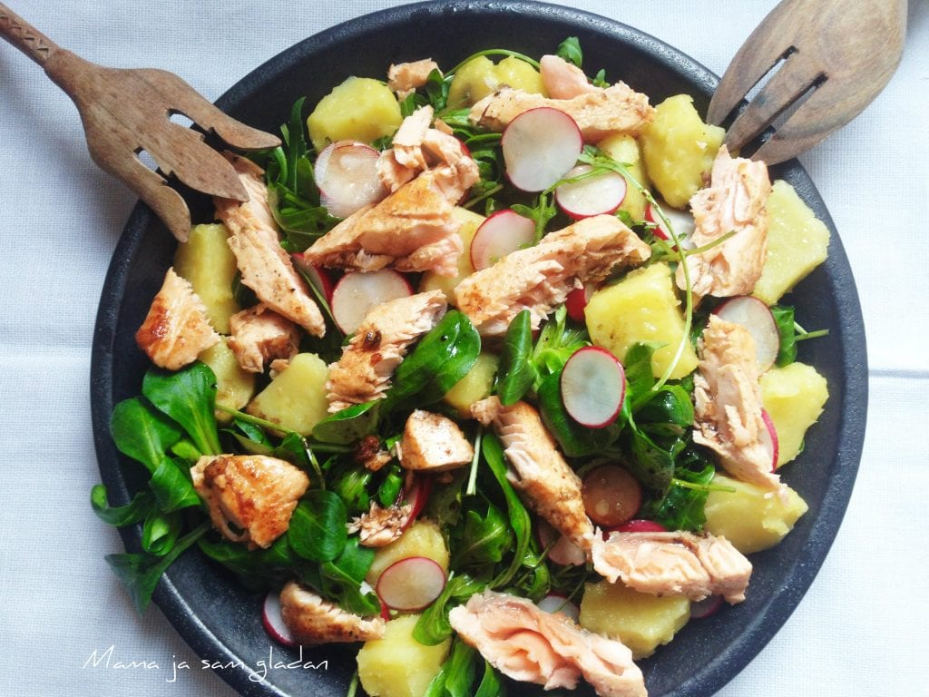 Salata sa lososom