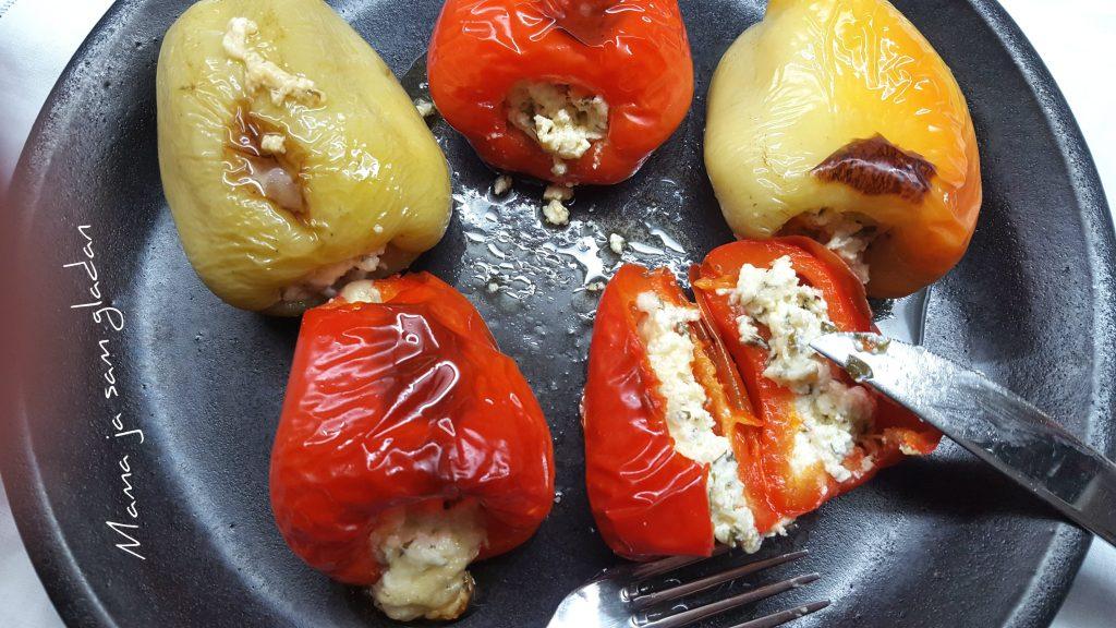 Pečene paprike punjene sirom