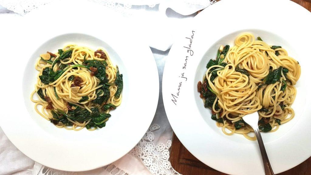 Špageti sa sušenim rajčicama i špinatom